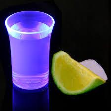 Paarse Neon plastic shotglazen (herbruikbaar)